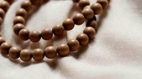 深情不及久伴品名战国红8mm念珠手链材质印度老山檀香配件青金